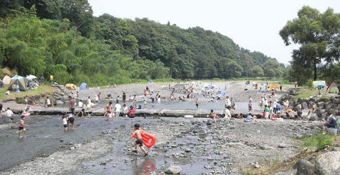 県立秦野戸川公園 -川遊び